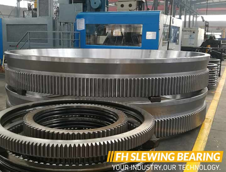 Installation requirements of excavator slewing bearing
